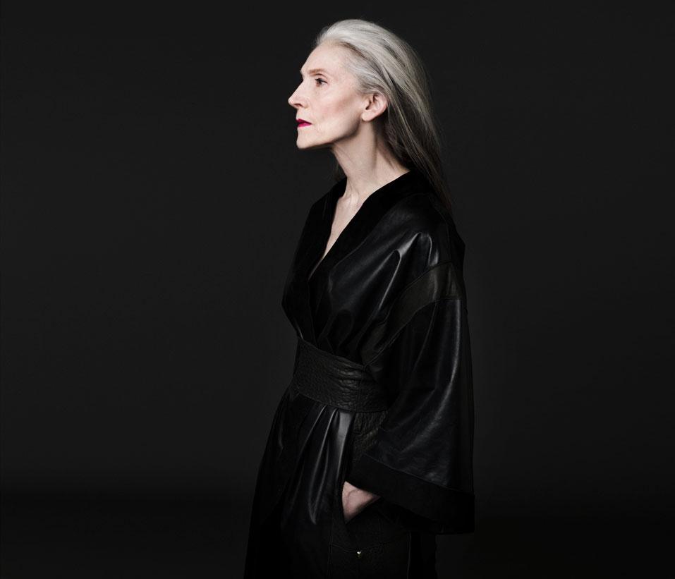 Shades of Black - M9 - Kimono Mantel